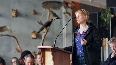 Five Propositions on Ferals Fiona Probyn-Rapsey.